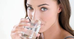 Pourquoi faut-il boire beaucoup d'eau?