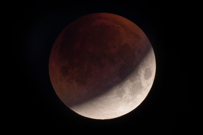 La Super Lune en Vierge aura une forte influence sur les signes solaires : transformations et grands changements