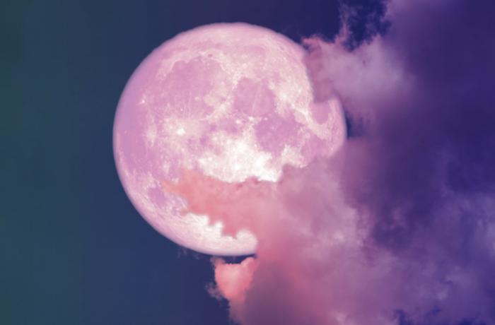 La pleine lune rose en Balance du 19 avril a le pouvoir de vous apporter le renouveau dans votre vie