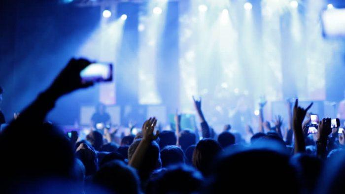 La science dit que les gens qui assistent régulièrement à des concerts sont plus heureux