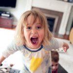 8 erreurs commises par les parents qui peuvent créer des sociopathes