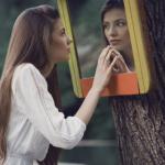 Voici comment se déroule la relation entre un narcissique et un empathique en 15 étapes.