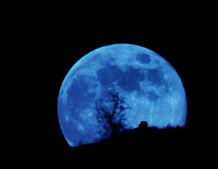 entre la lune bleue, deux éclipses et une vue unique sur 397 ans