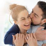 Amoureux en 2021 : 7 signes du zodiaque qui vont tomber amoureux.