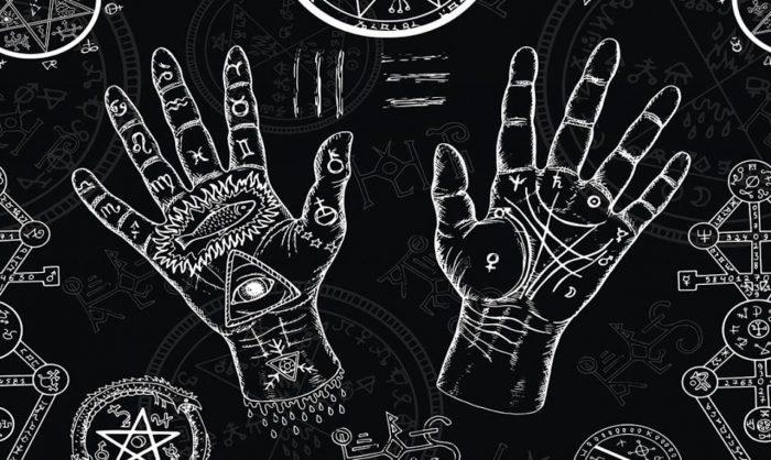 Les 5 signes de la paume de la main révélateurs d'une sorcière née